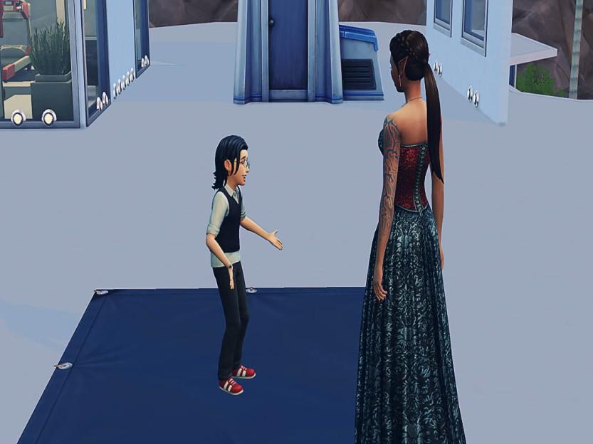 Alex Shows Samla Around